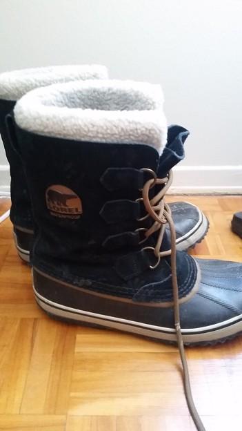 Sorel waterproof winter boots $30 [size 9]