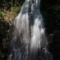 写真: 雷雨時の蓮華の滝