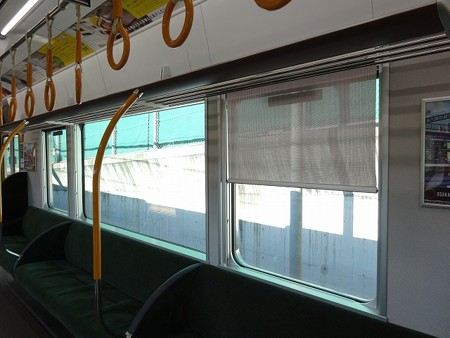 323-窓