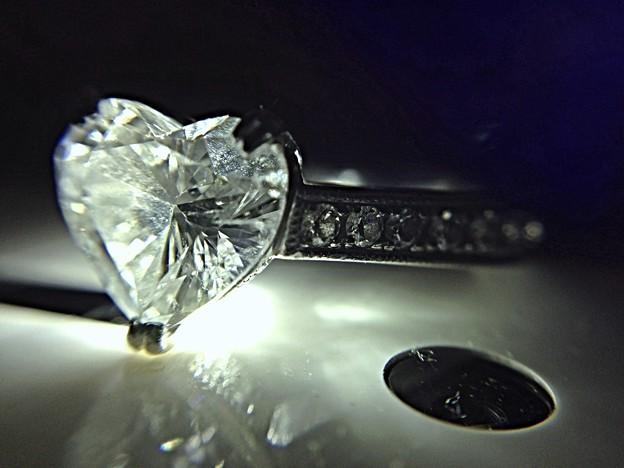 光浴びるダイヤモンド