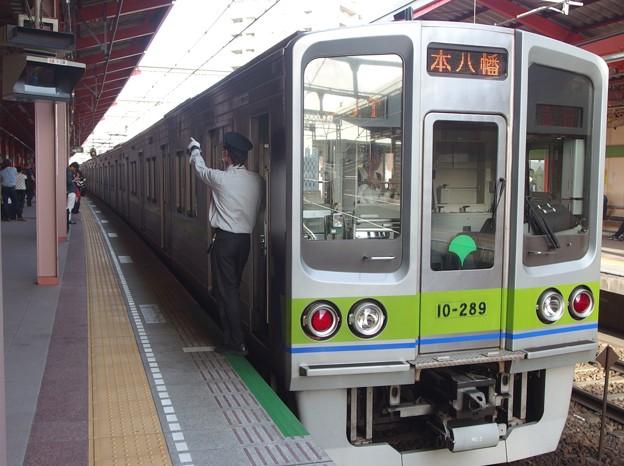 都営新宿線船堀駅2番線 都営10-280F急行本八幡行き側面よし