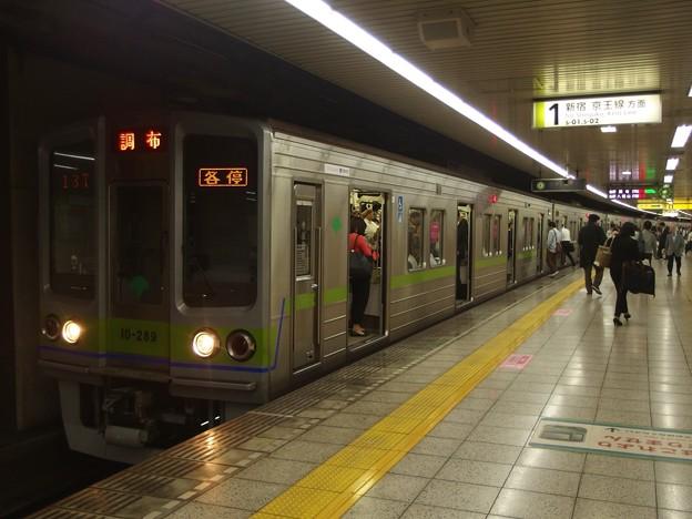 都営新宿線曙橋駅1番線 都営10-280F各停調布行き