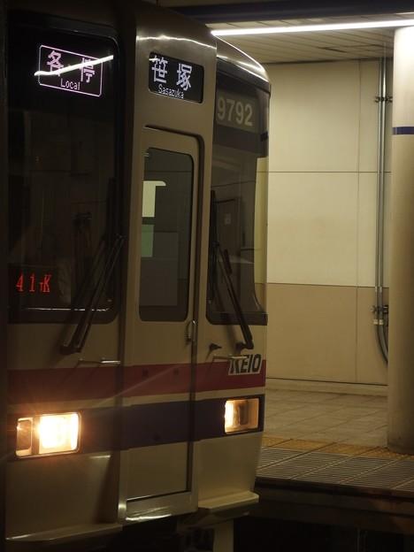 京王新線幡ヶ谷駅1番線 京王9042各停笹塚行き