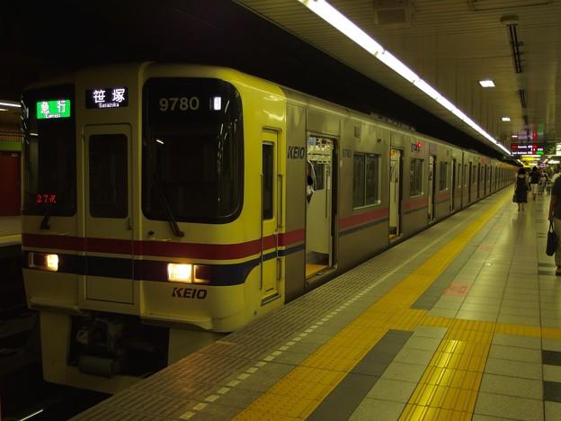 都営新宿線神保町駅1番線 京王9030急行笹塚行き