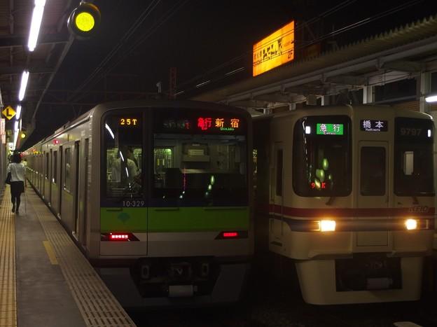 京王線明大前駅2番線 10-320Fの急行ならび