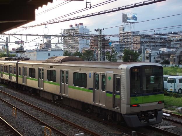 京王線桜上水駅 都営10-320F構内留置