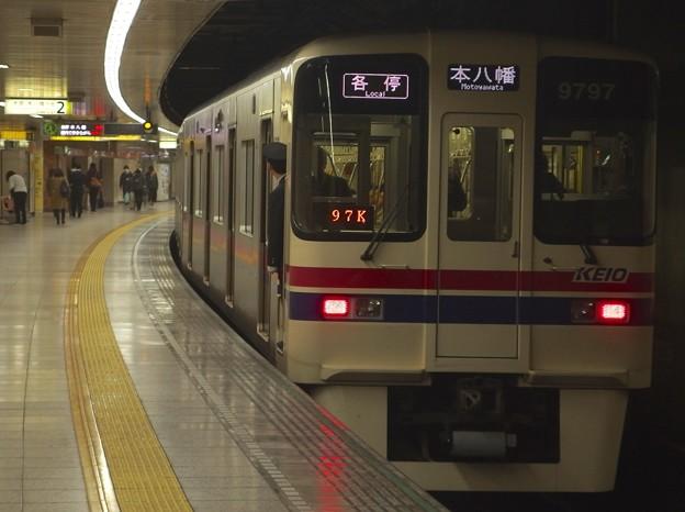 都営新宿線曙橋駅2番線 京王9047各停本八幡行き前方確認