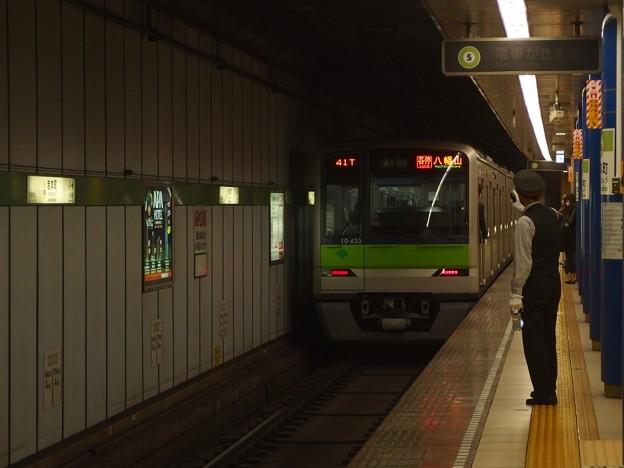 都営新宿線岩本町駅1番線 都営10-430F各停八幡山行き前方確認
