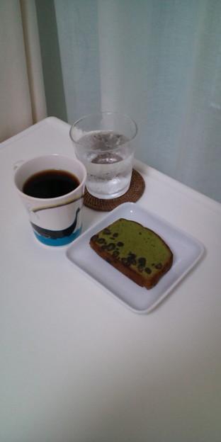 20100612おめざ「小豆入り抹茶ケーキ」