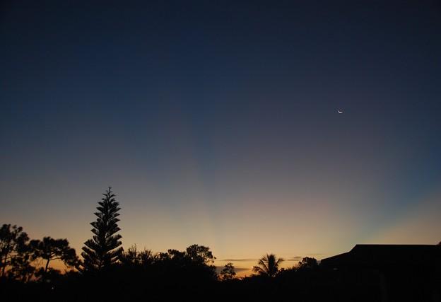 写真: The Blue Hour Moon 7-31-16