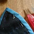 Photos: オーマイガー!!しつけ糸を切ろうとしてバイアステープを切ってしまった…(T_T)(T_T)(T_T)…アキにアドバイスされた。ここに刺繍する。ありがとア