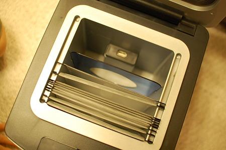 耐火・防水 USBポート付 メディア保管庫