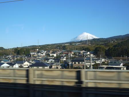 手前のスピード感から新幹線から撮ってるな?という雰囲気出たかな?