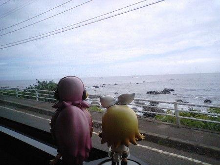木野部付近。 リン:「やっと海岸線に出てきたゅ♪」 ルカ:「あああ...