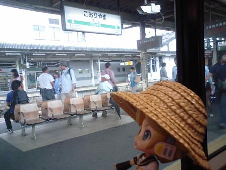 郡山駅到着、福島行きは、乗ってる電車がそのままスルー運用です。 は...