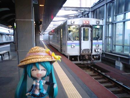 それでは、滝川経由で札幌へ戻ります。 ■帯広  18:29 → 富良野 20:33 ...