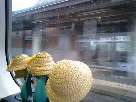 仁賀保駅に停車。 ミク:「この前東海道線でランデヴーしたログさん...