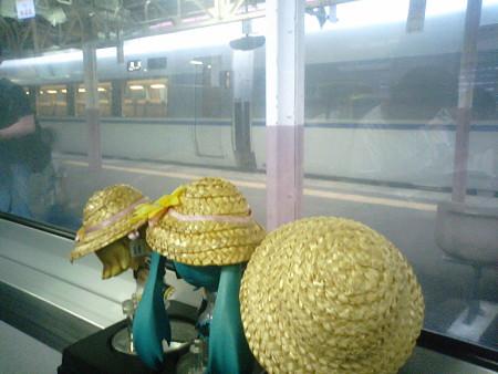 越後湯沢駅に8分停車。なおここより上り方向の普通列車は、越後湯沢...