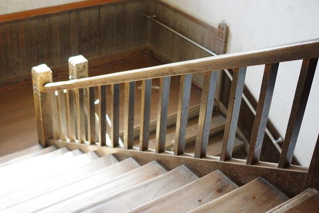 木造校舎の階段