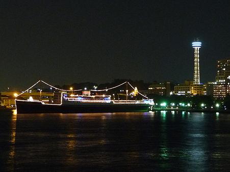 100922-大桟橋夜 (11)