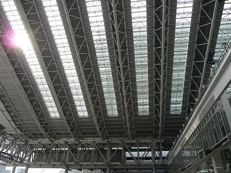 110416-17 大阪駅 (25)