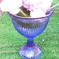 写真: ブルーガラスのゴブレット