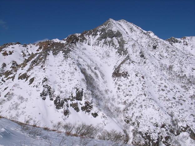 日本の山 雪山講習会 那須茶臼岳 アルペン的な朝日岳。