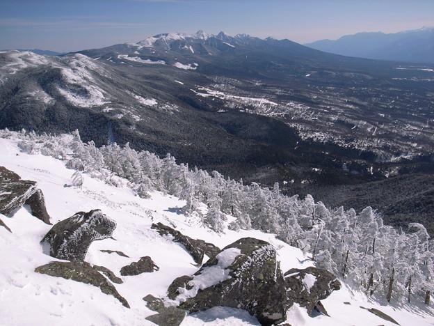 日本の山 雪山講習会(STEP2) 蓼科山 樹林限界を超すと南八ヶ岳の展望が広がります。