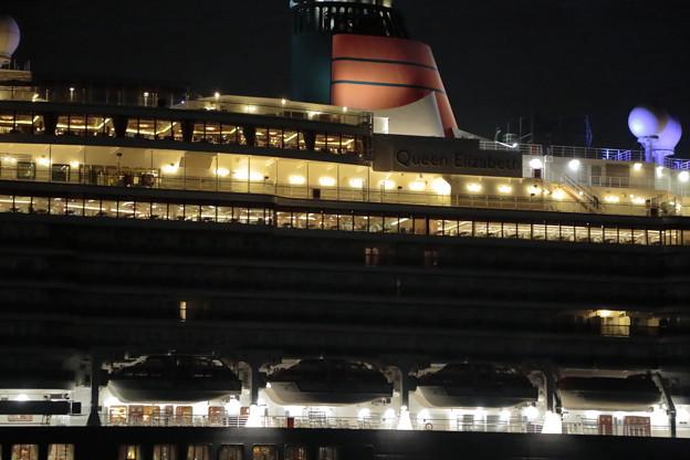Queen Elizabeth003