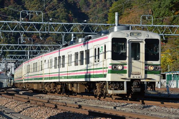 Photos: 上越線普通列車 744M (107系)