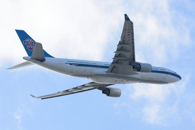 写真: 中国南方航空 A330-200 B-6547
