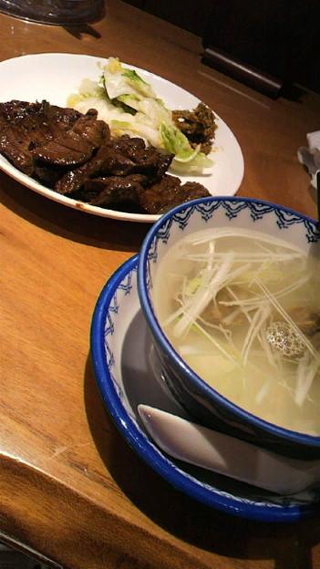 写真: 至誠館メンバーいなかったけど、牛タン!美味しくいただきました♪(●...