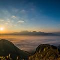 阿蘇雲海と涅槃像の五岳