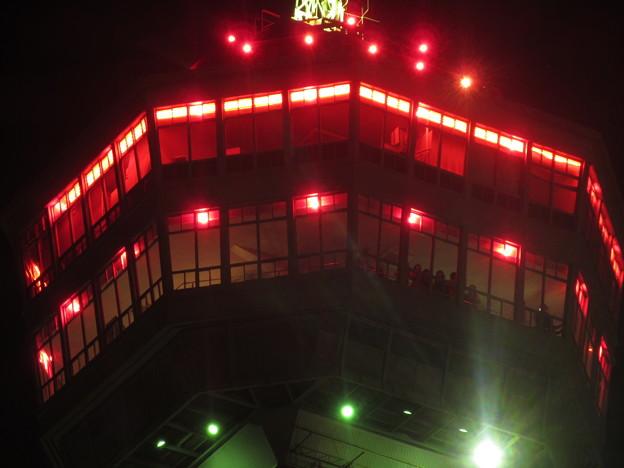 夜の博多港  4