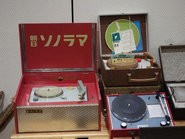 ポータブル・レコード・プレイヤー展 (世田谷区太子堂)