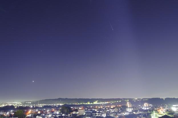 明けの明星としし座流星群2010