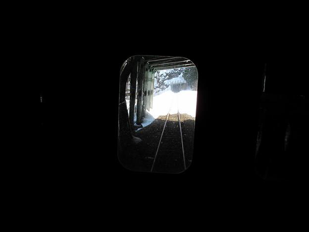 写真: 大糸線キハ52-156後方車窓5