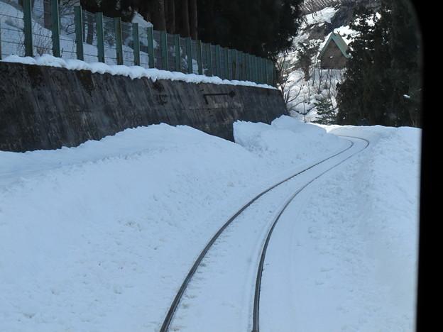 写真: 大糸線キハ52-156後方車窓28