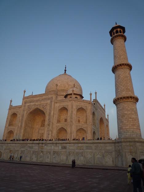 16 基檀と墓廟と尖塔 Base, dome, and minaret