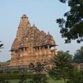 早朝の寺院 カジュラーホー  Early morning,Khajuraho