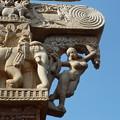「樹下ヤクシー像」~珠玉の仏教彫刻 The most renowned Yakshi  *豊饒の切なる願い鑿に込めヤクシーの陰(ほと)を彫りいだしけん
