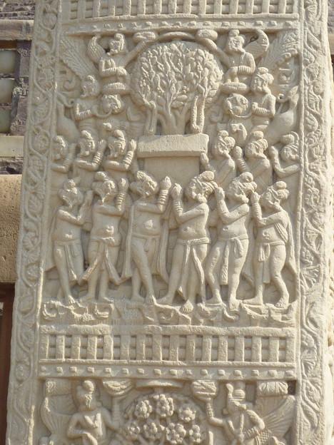 仏陀の象徴菩提樹の浮彫 Symbol of Buddha :Bo-Tree relief