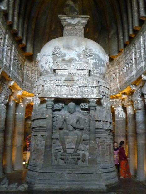 アジャンター第26窟ストウーパ Stupa with seated Buggha,Ajanta