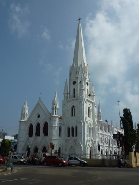 白亜のサン・トメ聖堂  San Thome Basilica
