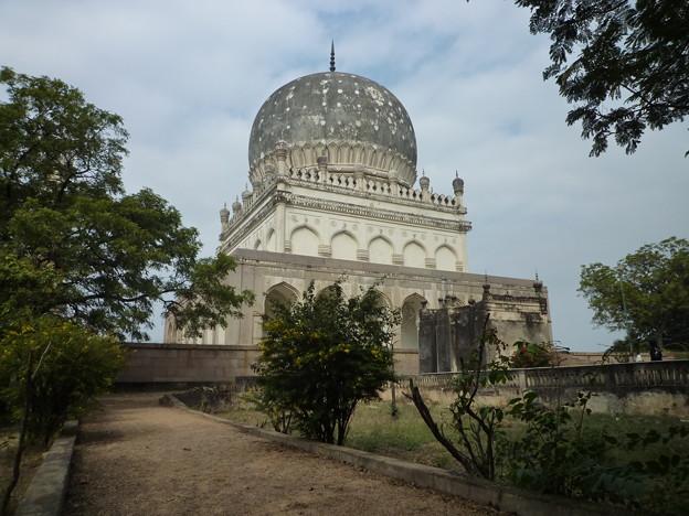 Photos: 王達の廟 Qutub Shahi Tombs.