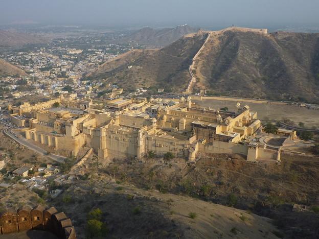 ジャイガル要塞からアンベール城を Panoramic view of Amer Palace