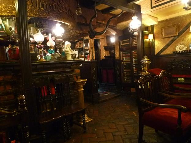 古都京都のレトロなカフェ Célèbre Café à Kyoto