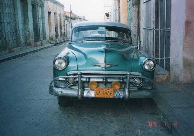 現役のクラッシクカー、キューバ Old car in Trinidad de Cuba