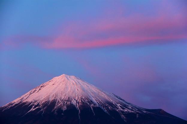 2月21日富士宮市からの夕方富士山~ 綺麗な夕焼け雲でした(^ ^)