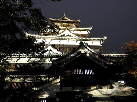 広島城ライトアップ17 ワンピース海軍本拠地のよう(大戦中は広島大本営)